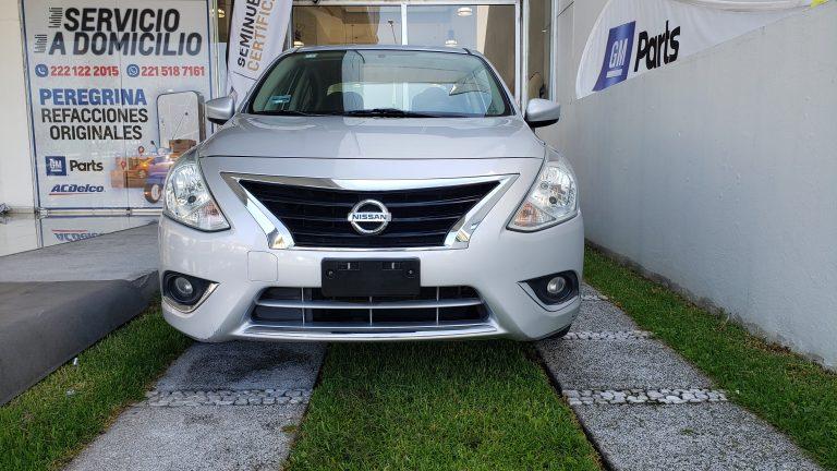 Nissan Versa Advance Color Plata 2015 At